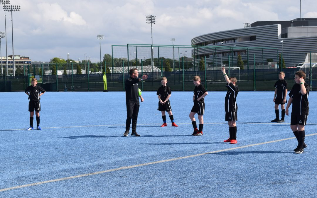 Laurus Trust students train at Manchester City campus with Paul Dickov